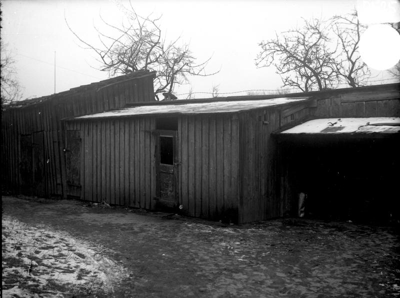 "Lilla Dammgatan, kv Granen, ""Hökaboet"" uthus 1936"