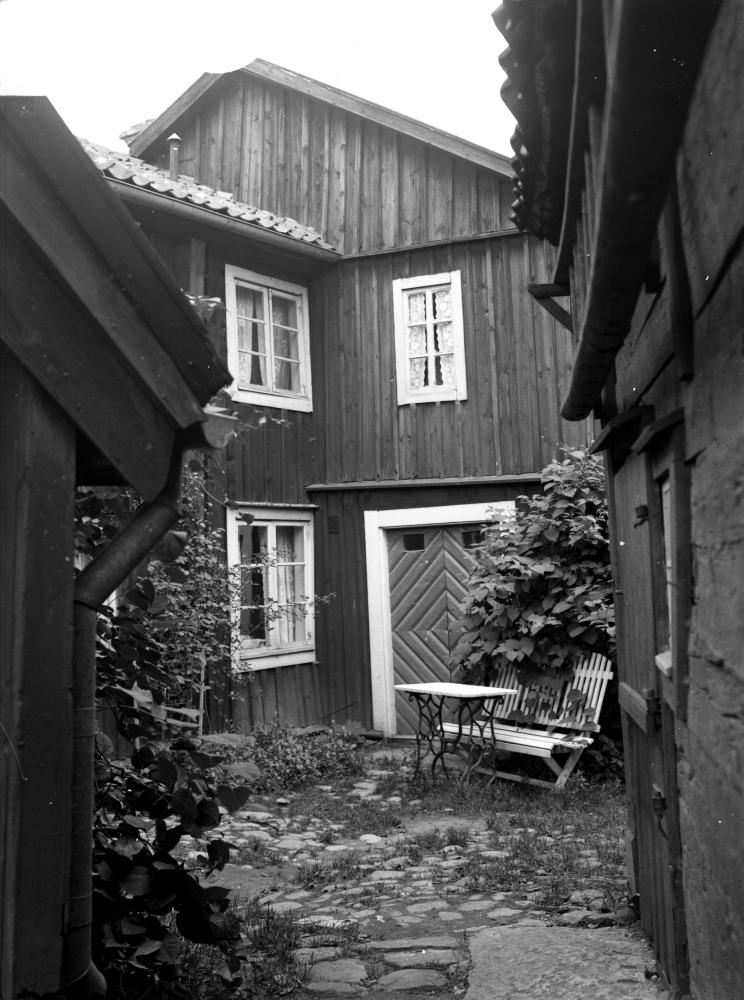 Gamla stan, tomt 139, hörnet Vegagatan och Västerlånggatan, gårdsinteriör 1936