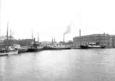 Ölandshamnen med sundsbåtar