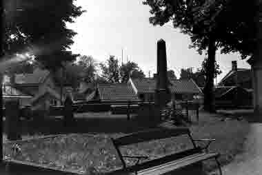 Gamla kyrkogården mot Gamla Kungsgatan och Aspen 6-7