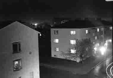 Gamla stan, kv Hasseln, Vegagatan mot väster, nattbild