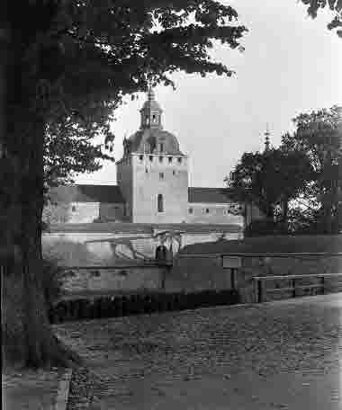 Kalmar slott, vattentornet och vindbryggan 1935