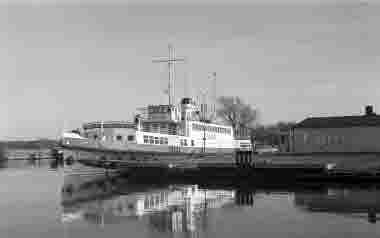 Färjestadens hamn 1973. Jarl.