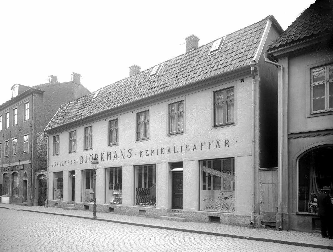 Björkmans järn- och kemikalieaffär exteriör  Kaggensgatan 11