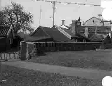 Gamla stan, kyrkogårdsgrindarna vid Gamla Kungsgatan omkr 1930